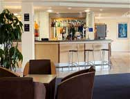 Cardiff Holiday Inn Express Hotel Bar