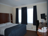 Cardiff Sky Plaza Hotel Bedroom