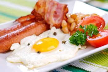 Enjoy a hearty breakfast at your Glasgow airport hotel