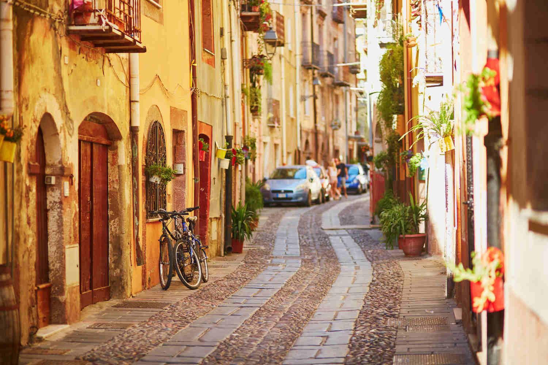 Malerische Städte auf Sardinien