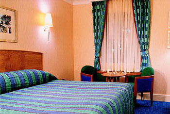 A bedroom at the Thistle hotel East Midlands airport.