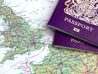 Landkarte und Reisepass