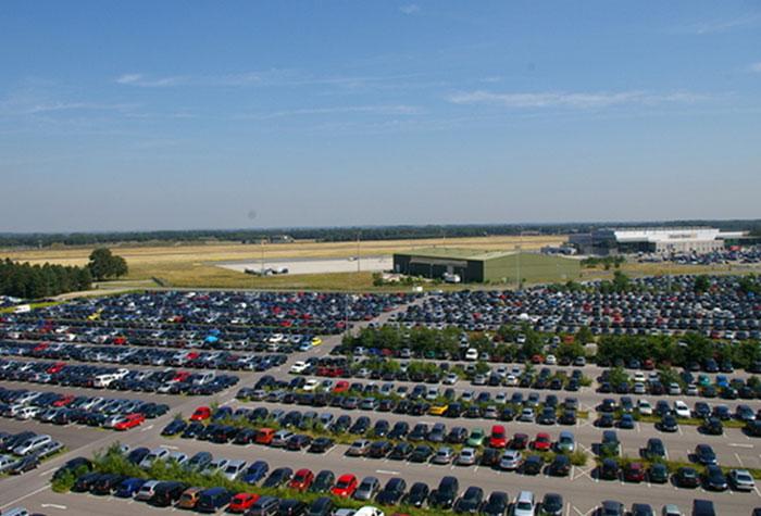 p3 parkplatz airport weeze online auf holiday extras buchen. Black Bedroom Furniture Sets. Home Design Ideas