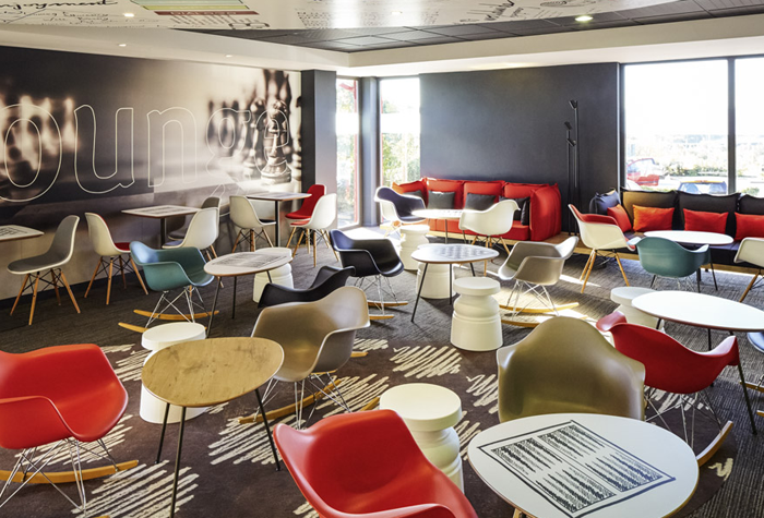 /imageLibrary/Images/LTN-IBIS-LOUNGE.png