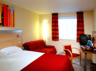 Luton Hemel Central Express By Holiday Inn Hotel Family Room