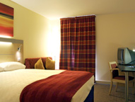 Stansted Holiday Inn Express Hotel Room1